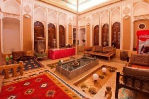 Leb-e Khandagh Historical Hotel