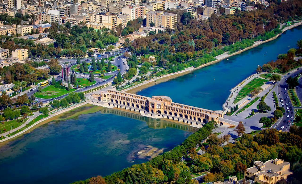 شهر زیبای اصفهان - دیجی چارتر