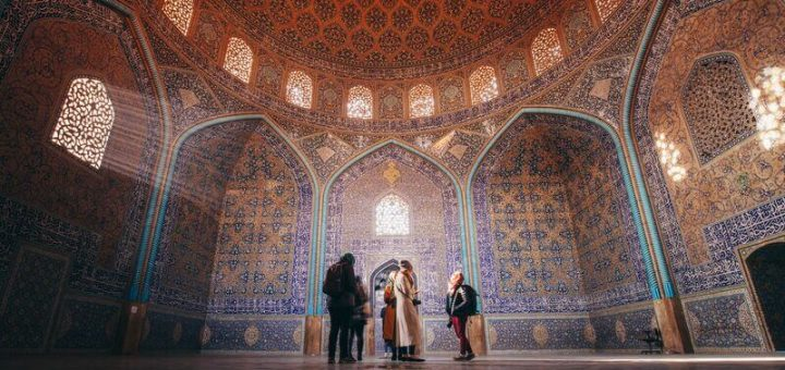 Top 10 Travel Experiences in Iran
