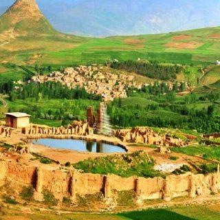 Sassanid fence of Takht-e Soleyman.jpg