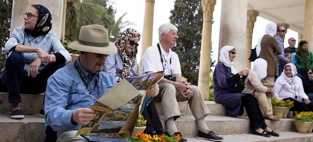 Iran Tour Guide, Top 10 Reasons to Travel in Iran with a Tour Guide