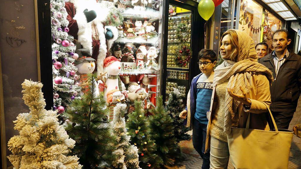 People Iranians celebrate Christmas in Iran